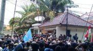 Tuntut UU Ciptaker Dibatalkan, Aliansi Mahasiswa Lamongan Serbu DPRD
