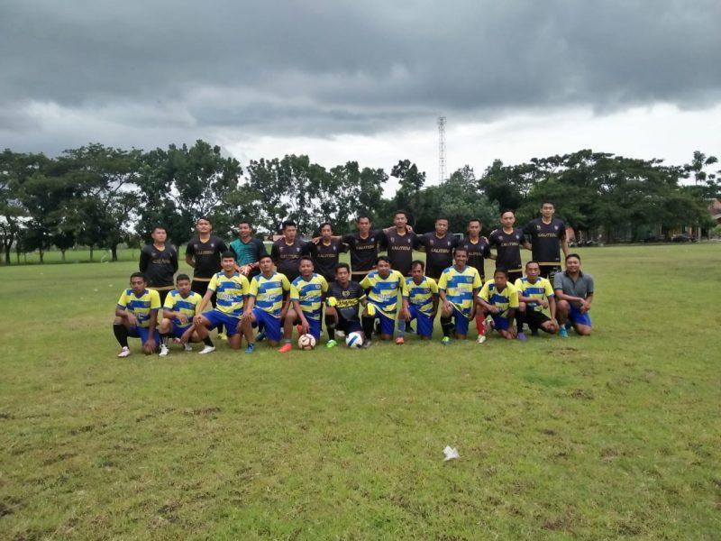 Melalui Sepak Bola, Perangkat Kalitidu Sambung Persahabatan Dengan Desa Pacul. Foto: Alfa Kamila/Progresnews.id