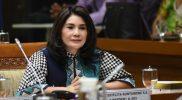 Ketua Komisi IX, Felly Estelita Runtuwene menilai sanksi bagi masyarakat yang menolak vaksinasi tak sesuai dengan WHO, Minggu (14/2). Foto: dpr.go.id.