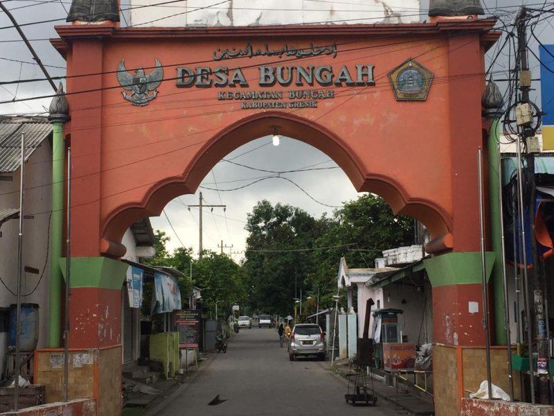 Gapura masuk Desa Bungah. Foto: Ipunk/Progresnews.id.