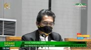 Anggota DPR-RI Fraksi PKS, Al Muzammil Yusuf saat Sidang Paripurna, Rabu (10/2).