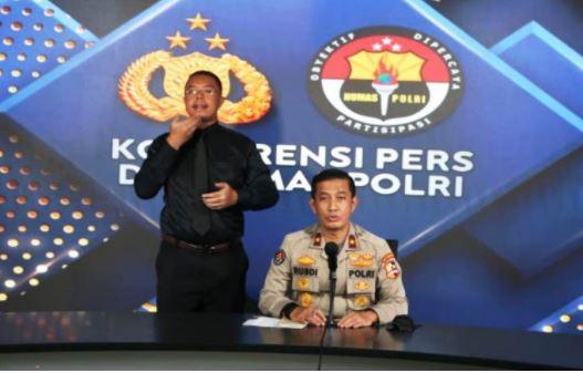 Karopenmas Divhumas Polri, Brigjen Pol Rusdi Hartono saat jumpa pers penyelidikan dugaan aliran dana terorisme dari rekening FPI. Foto: Humas Polri