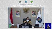 Menteri Dalam Negeri Tito Karnavian saat mengumumkan Surat Keputusan Bersama. Foto: Kemendikbud.