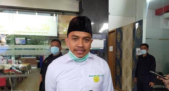 Kuasa hukum HRS, Aziz Yanuar melayangkan surat ke Kejaksaan untuk meminta persidangan keenam kliennya digabung dalam satu persidangan, Senin (15/2). Foto: sindonews.com.