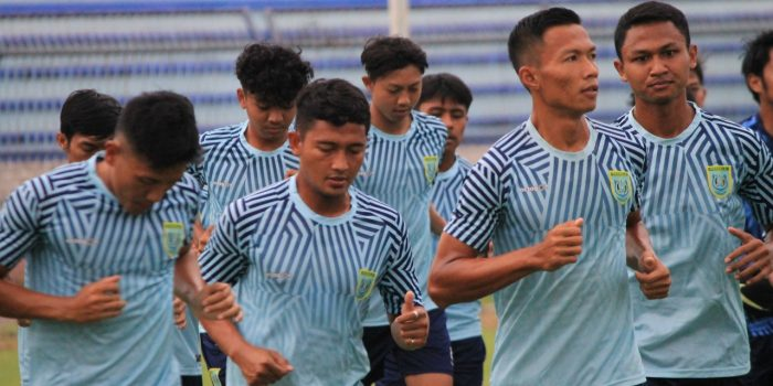 Para pemain Persela Lamongan yang menjalani Cooper Test di Stadiun Surajaya Lamongan. (Foto: Istimewa)