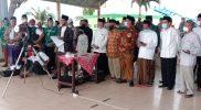 Momentum saat kemenag bersama unsur organisasi maupun lembaga islam menantikan Rukyatul hilal di Pantai Tanjung Kodok Lamongan. Foto : Progresnews.id/ Ammy.