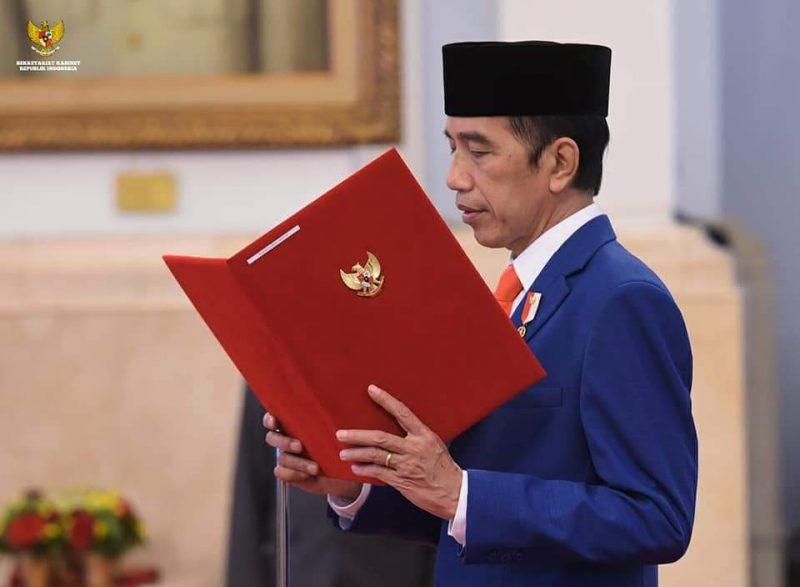 Presiden Jokowi ketika melantik Menteri Baru hasil resuffle kabinet Indonesia maju, sisa masa jabatan 2021-2024. Foto : setkab RI.