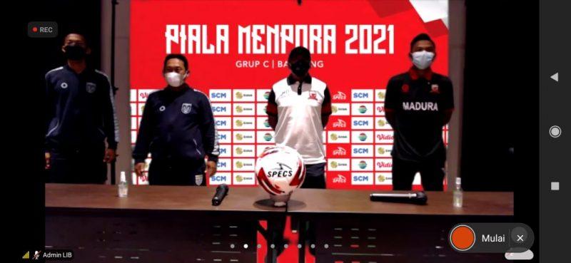 Tim menejemen dan pelatih tim Persela Lamongan seusai konfrensi pers online. Foto : Istimewa