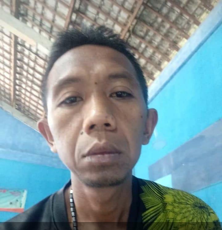 Kepala Desa Kebonsari Kecamatan Sidodadi Lamongan, Suharto. Foto : Istimewa.