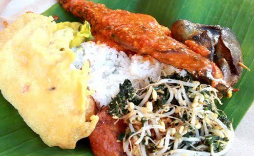 Kuliner khas Lamongan, Nasi Boranan. Sumber: Lamongan Tourism