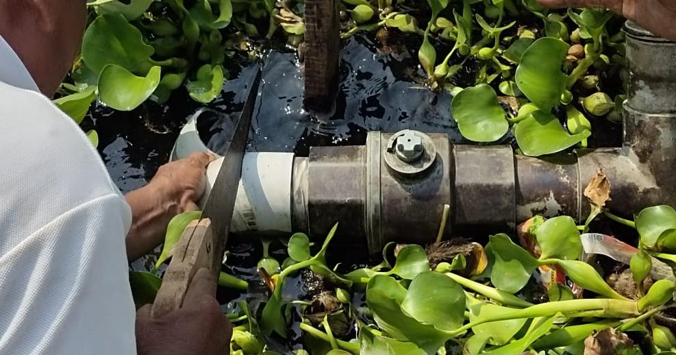 Pipa penyalur air rusak di Desa Pomahanjanggan.