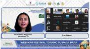 Nureza Dwi Anggraeni sebagai host bersama ratusan partisipan dalam webinar bertajuk Memperkuat Kolaborasi Pasar untuk Pengembangan UMKM di Tanah Papua, Jumat (27/8).