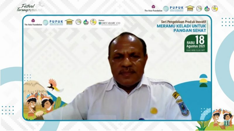 Kepala Dinas Tanaman Pangan Hortikultura & Perkebunan Papua Barat, Yacob Fonataba saat menjadi pemateri dalam Seri 2 diskusi daring pengelolaan produk inovatif dengan tajuk Meramu keladi untuk Pangan Sehat, Rabu (18/8).
