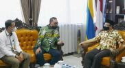 Silaturrahim. Gus Jazil saat berbincang dengan Rektor Unair, M Nasih, (30/9). Foto : Chidir/Progresnews.id